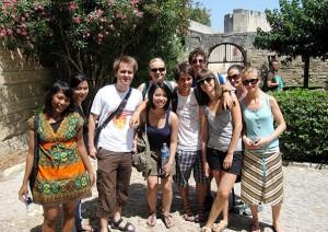 Aktivitäten in Montpellier - IEF - Glückliche Studenten während eines Ausflugs
