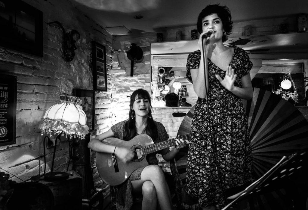 Moças Do Sul au Gazette Café