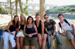 Aktivitäten in Montpellier - IEF - Studenten während eines Besuches zu Saint Guilhem le Desert