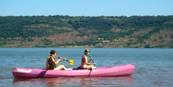 Canoe au lac du Salagou