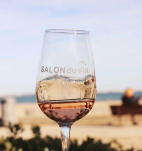 Salon du vin à la plage