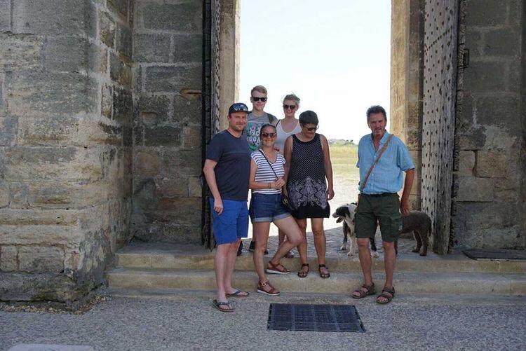 Avec la famille d'accueil d'Alena à Aigues-Mortes